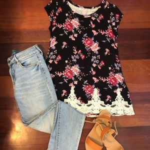 Floral print short sleeved tee size M